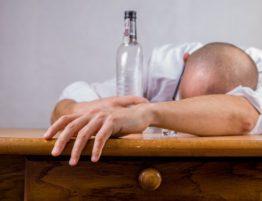 divorcing-spouse-addiction-problem